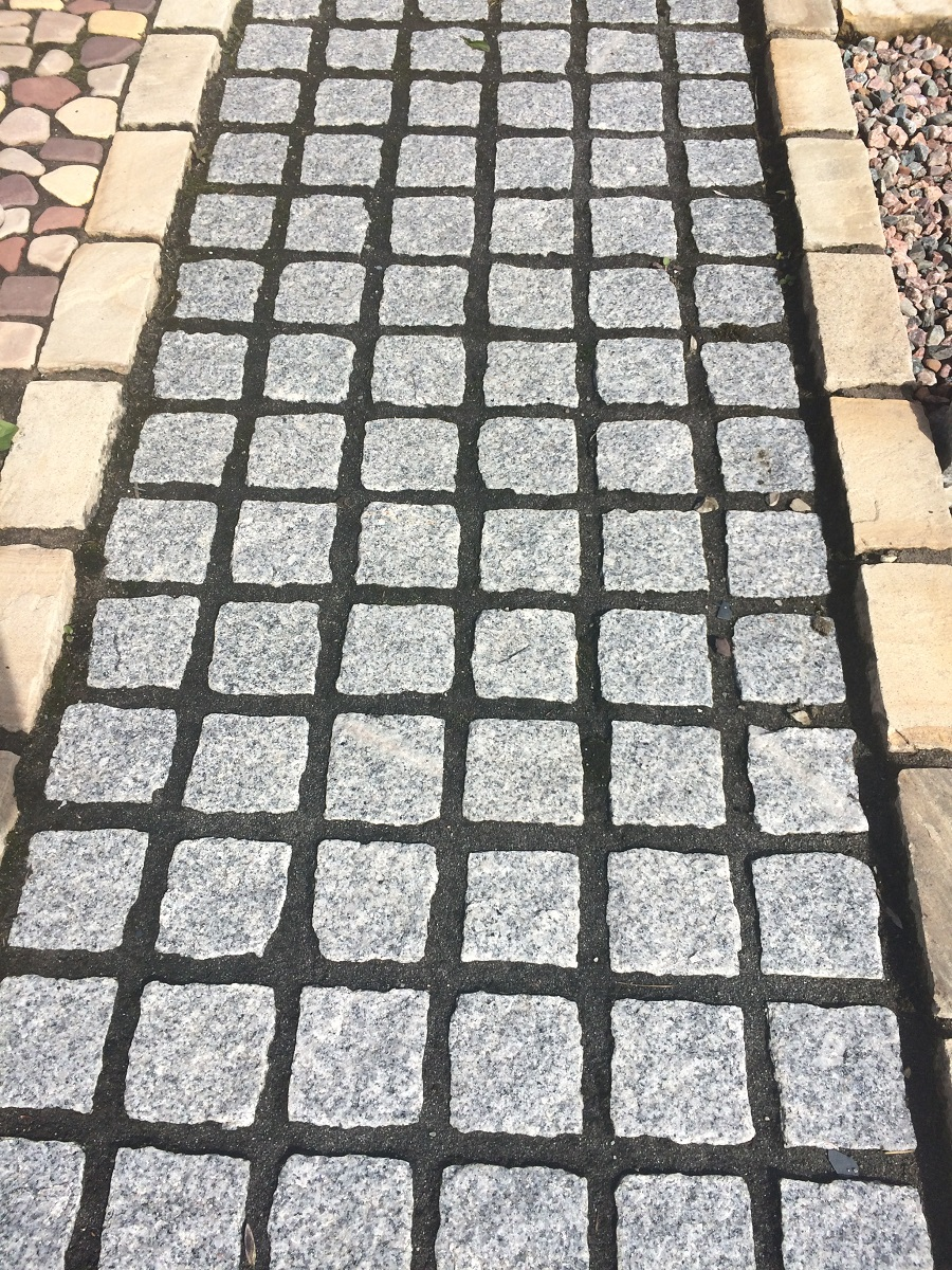 Silver Grey Granite Cobble 100x100x50